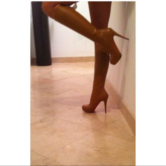 sports shoes 87f4c 7f03f Christian Louboutin Alti Boots size 40